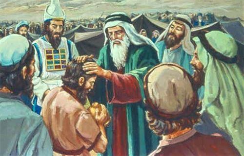 صموئيل مثال الكاهن في كنيسة المسيح